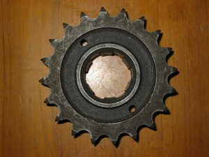17 tooth Gearbox sprocket used 69-0703