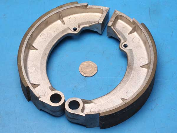 Jawa rear brake shoes Newfren GF1145