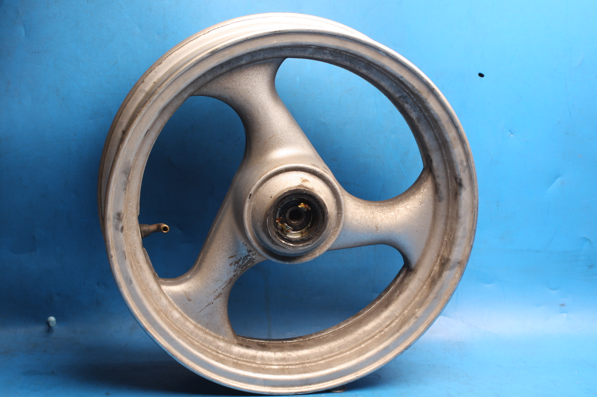Wheel front used Sinnis Matrix2