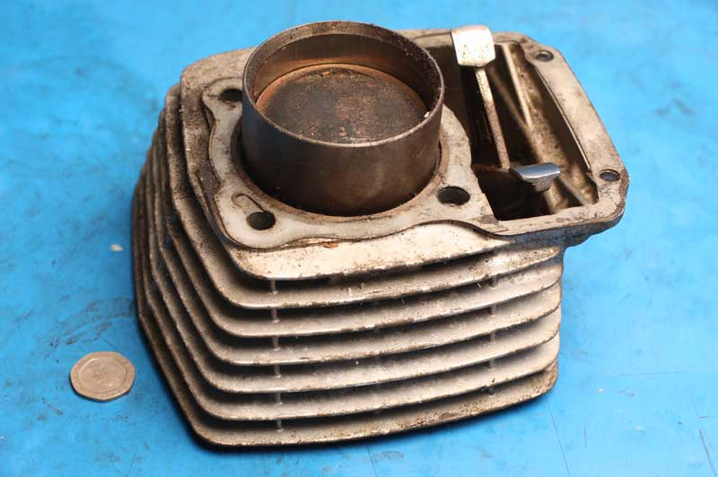 Cylinder barrel and piston Vulcan 125 used