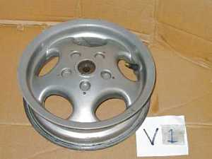 Front wheel Vespa ET4 used