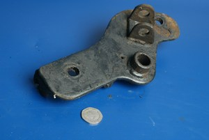 Right front footrest bracket Hyosung Cruise 2 used