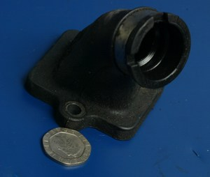 Inlet manifold rubber Peugeot Ludix Blaster 50 used