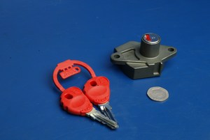 Seat lock and key Malaguti F15 Firefox F18 Warrior 090.037.00