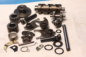 Assorted engine and gearbox parts Sym XS125 new
