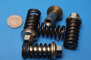 Clutch springs and sleevenuts SK125 used
