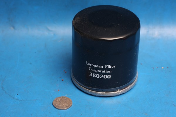 EFC oil filter equivalent to HiFlo HF153 oil filter new