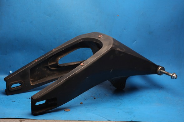 Swinging arm with spindle Yamaha YZF R125 used
