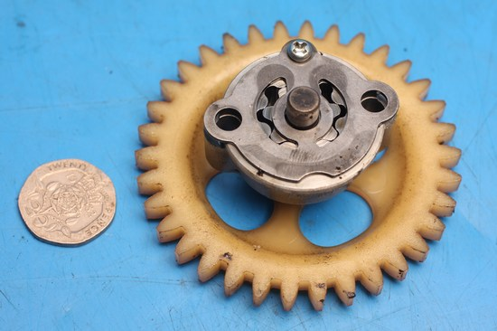 Oil pump & drive gear used for YZFR125