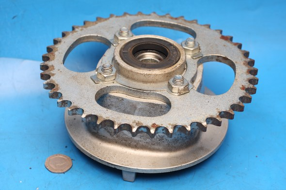 Sprocket & carrier Used Suzuki EN125