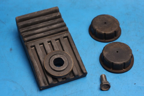 Petrol tank rubber mounts Yamaha Gladiator YBR125RS