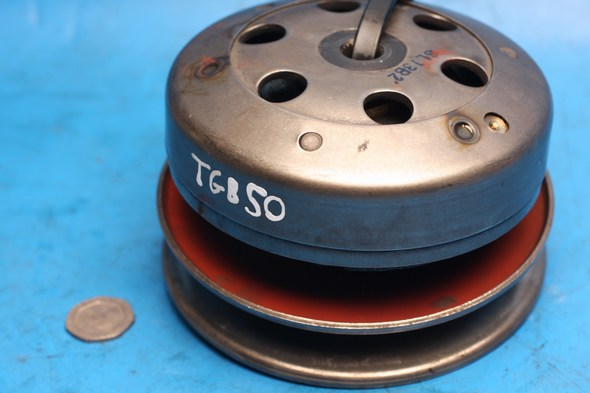 Rear pulley and centrifugal clutch assembly w. bell TGB 50 used