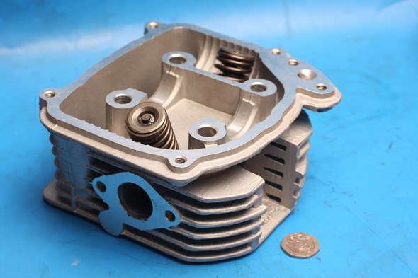 Cylinder head valves and springs new kymco super8 125