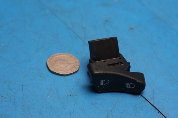 Headlight selector switch genuine piaggio fits multiple models