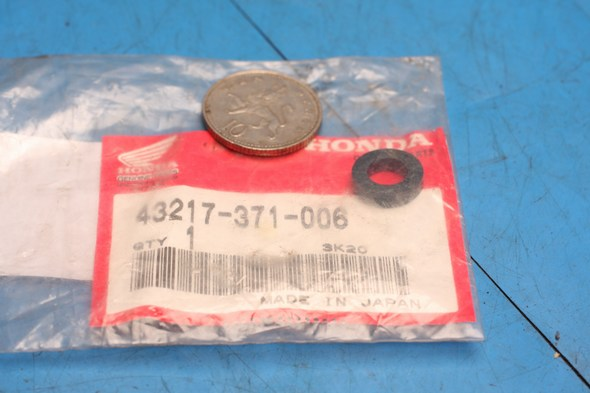 rear brake caliper joint seal genuine honda CB750F GL1000 VF1000