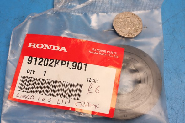 Oil seal L/H crank genuine honda SCV100 new
