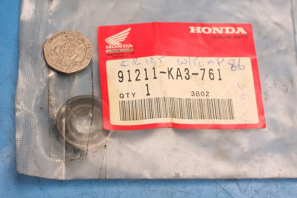 Water pump seal genuine honda CR125 new