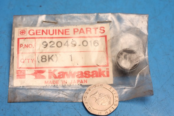 Oil seal cylinder head valve genuine kawasaki KZ1000 VN1500