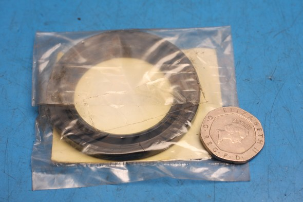 Oil seal front wheel hub genuine kawasaki ZR ZX NOS