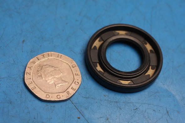 Oil seal L/H crank peugeot speedfight 50 100