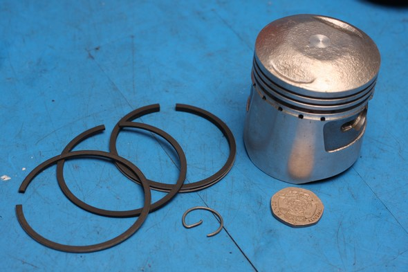Piston, rings and one circlip new Honda C90 0.5mm oversize