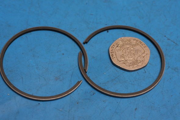 Piston rings genuine Suzuki GT125 standard new