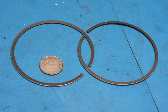 Piston ring set geuine yamaha DT400 NOS