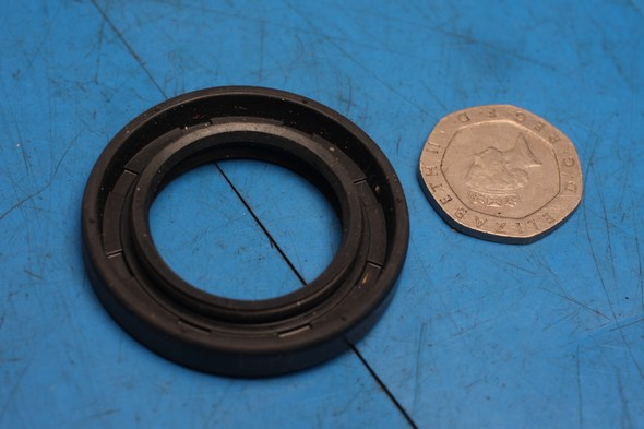 Oil seal crankcase clutch side Kawasaki KMX nos