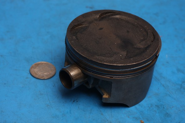 Piston, rings and gudgeon pin Hyosung GT650 used