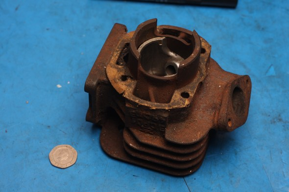 Cylinder barrel and piston Yamaha slider 50 used