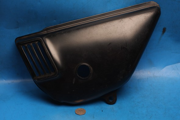 Side panel black L/H Suzuki Gt125 GT185 used - Click Image to Close