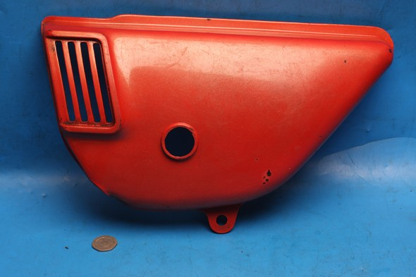 Side panel red L/H Suzuki Gt125 GT185 used