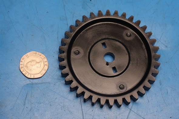 Oil pump drive gear Peugeot Elystar 125 used