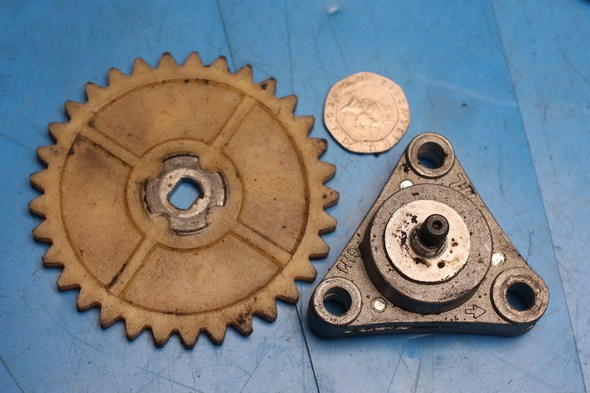 Oil pump, drive gear and shaft chinese 50cc models used