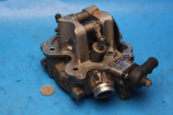 Cylinder head complete except cover Peugeot Elystar 125 used