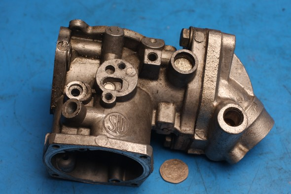 Carburettor body and manifold right hand S.U. for Norton used