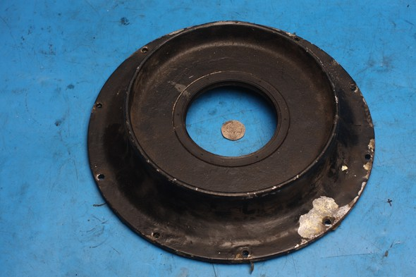Rear wheel sprocket inner cover & oil seal Norton used