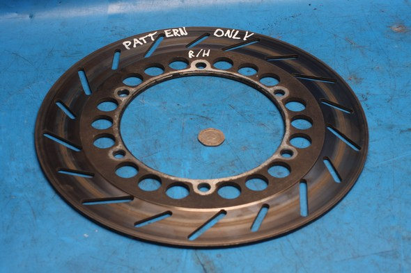 Brake disc front right Norton 29L-25831-00 pattern only