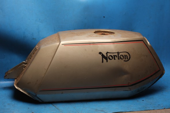Petrol fuel tank Norton 92-1678 used