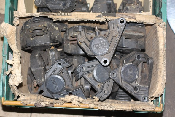 Brake caliper LHF / R assorted box Norton 55-0440 used