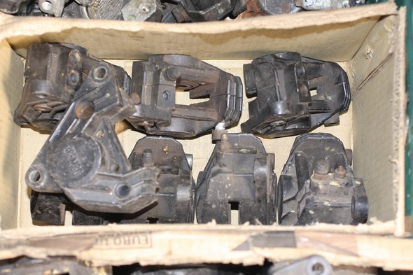 Brake caliper RHF assorted box Norton 55-0439 used