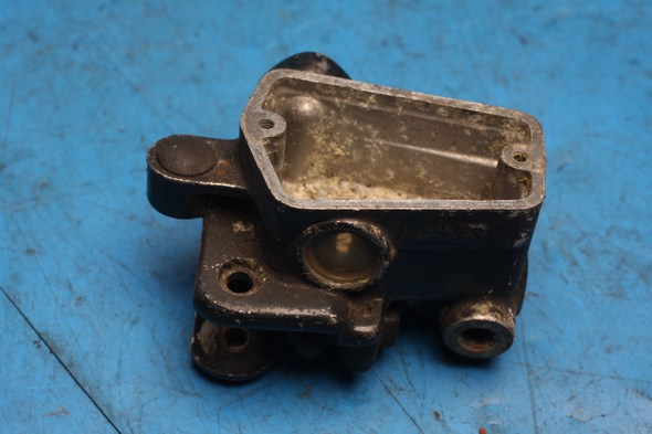 Brake master cylinder Norton 40-0728 used