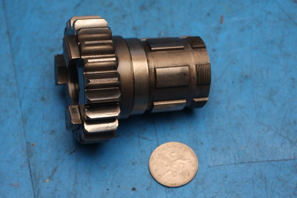 Gear assembly mainshaft 5th Norton 69-0688 used