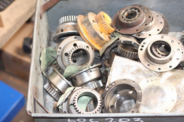 Stationary gears & oil seal housings assorted Norton