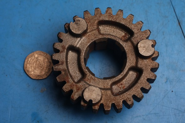 Gear 4th 27T Drive Used 3GM-17241-00 norton F1/ F1 sports