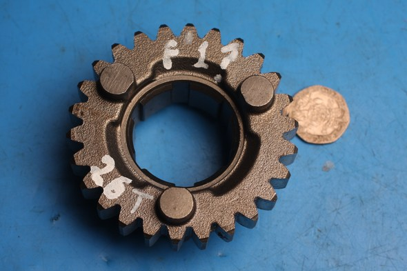 Gear 4th Drive Used 3GM-17241-00 26T norton F1/ F1 sports