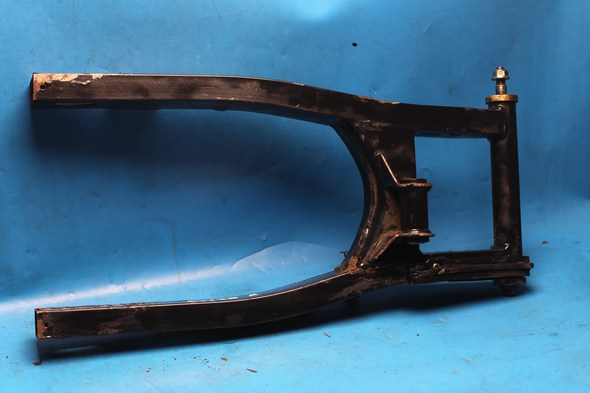 Swinging arm complete w. bushes and spindle Hyosung GTR used