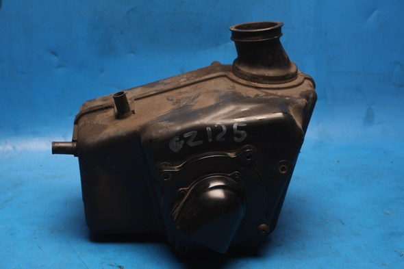 Air Box and filter Suzuki GZ125 used