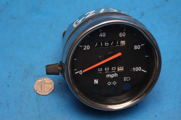 Speedometer clock unit Suzuki GZ125 used