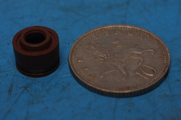 Valve stem oil seal 1572B-I008-0000 new